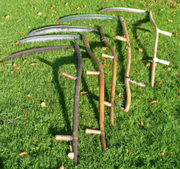 Difference between a Scythe and a Sickle