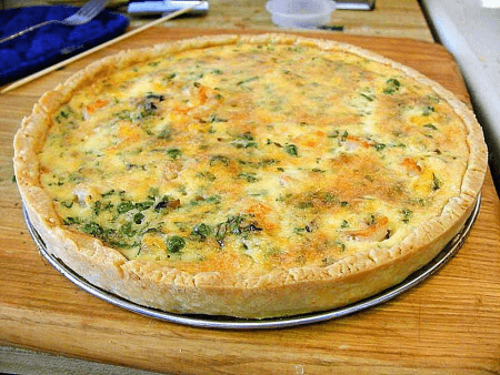 salmon pie crust quiche