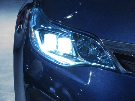 Xenon gas-filled headlights