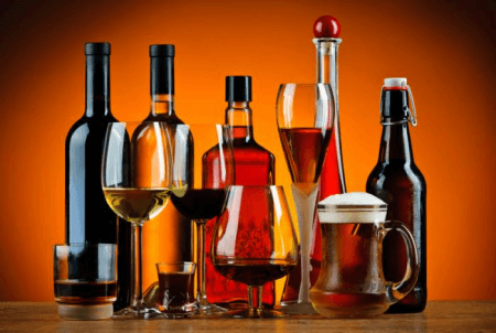 Alcoholic drinks as examples of an organic compound