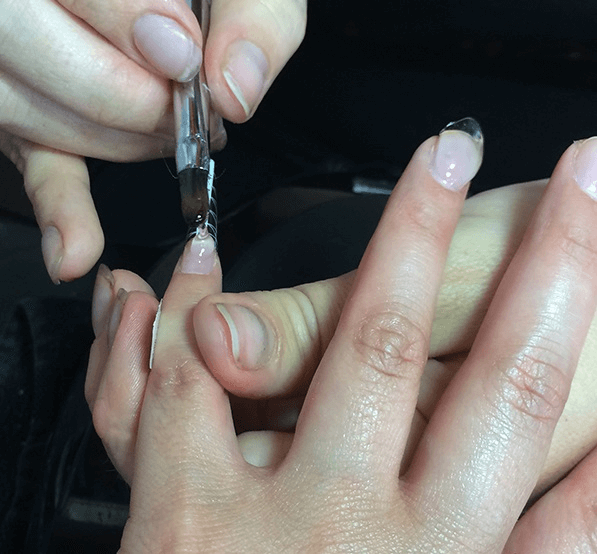 Gel Nails vs Acrylic Nails - Difference