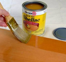 Difference Between Polyurethane and Lacquer